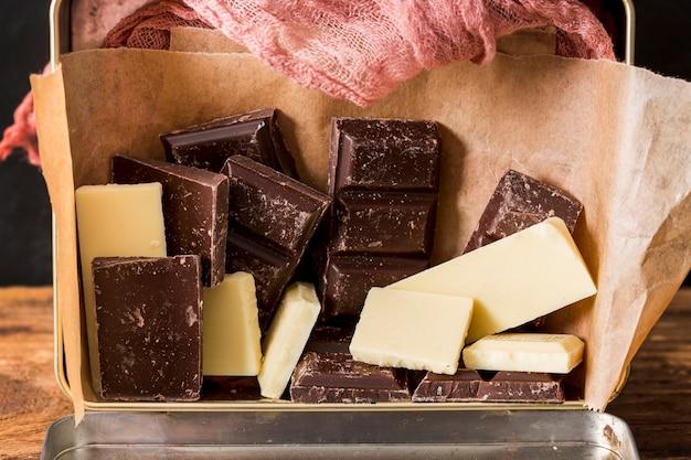Mélange de différentes barres de chocolat