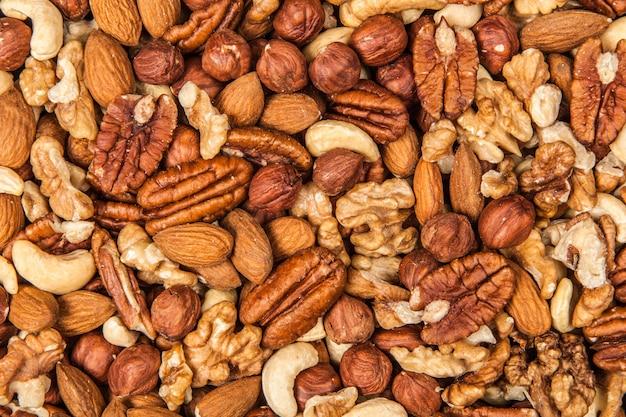 Mélange de différentes noix