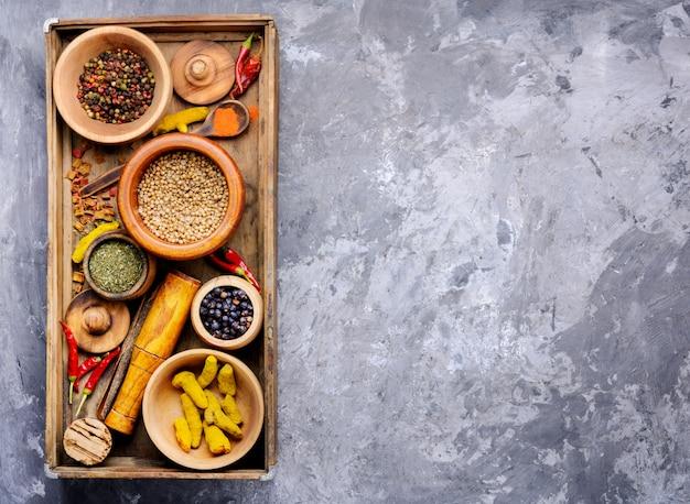 Mélange fond d'épices indiennes