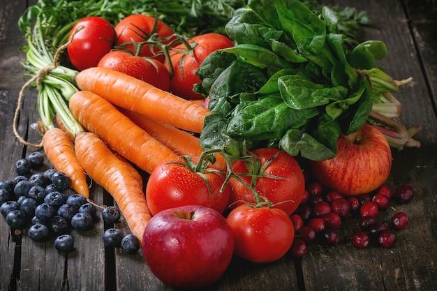 Mélange de fruits, de légumes et de baies