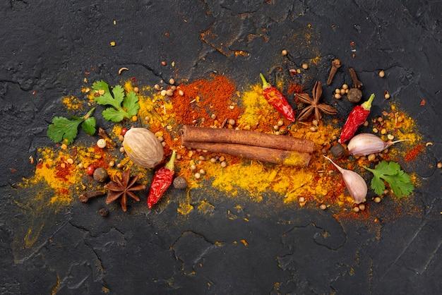 Mélange d'ingrédients de cuisine asiatique vue de dessus