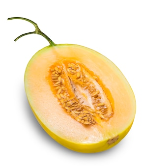 Melon cantaloup jaune isolé sur fond blanc, fruit de melon doré sur blanc avec un tracé de détourage.