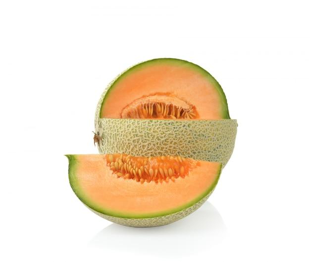 Melon cantaloup mûr isolé