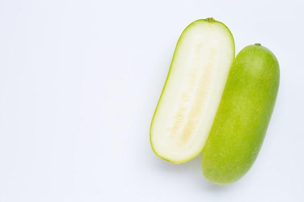 Melon d'hiver sur blanc