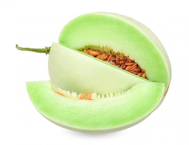Melon miellat isolé sur un tracé de détourage blanc