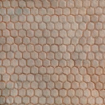 Membrane de blindage electromagnetique a texture hexagonale en relief