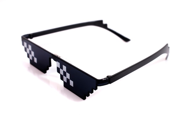 Meme pixel glasses