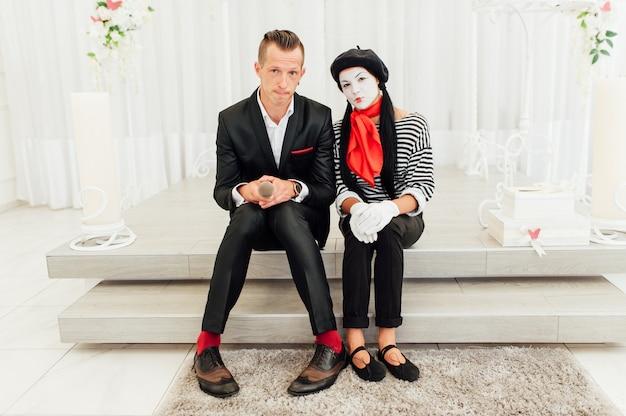 Mèmes sur le fond d'une arche de mariage