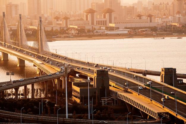 Memphis, tennessee, etats-unis au pont hernando de soto.