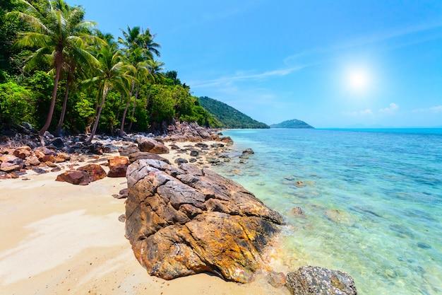 Mer tropicale en thaïlande