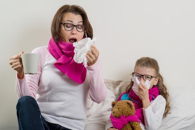 Mère et fille malades