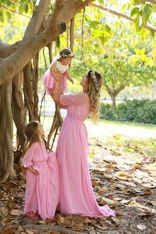 Mère des filles, la relation entre fille et mère