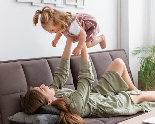 Mère, lever, enfant