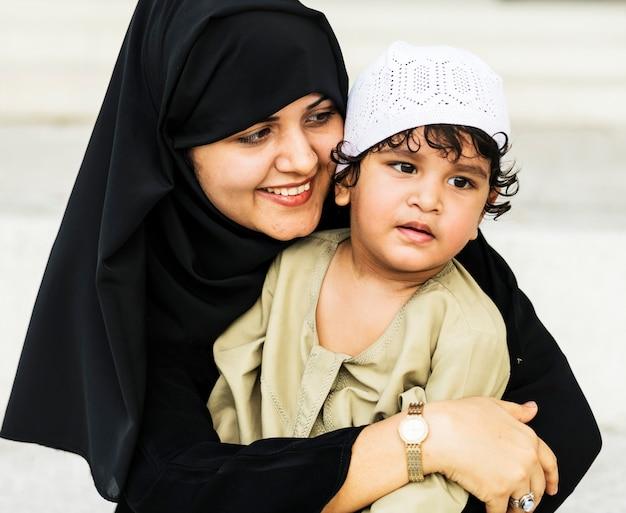 Mère musulmane et son fils