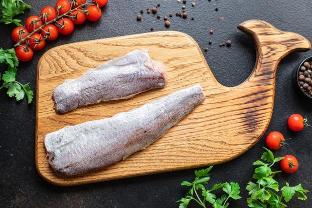 Merlu poisson frais fruits de mer bio ingrédient naturel alimentation saine repas collation régime pescétarien