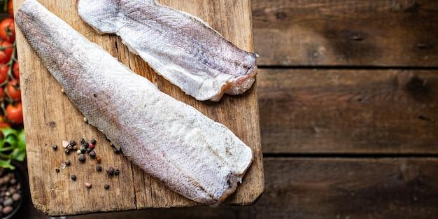 Merlu poisson frais fruits de mer ingrédient biologique nourriture végétarienne régime pescétarien
