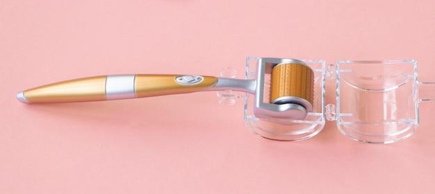 Mésoscooter cosmétologique à usage domestique. un outil pour éliminer les rides.