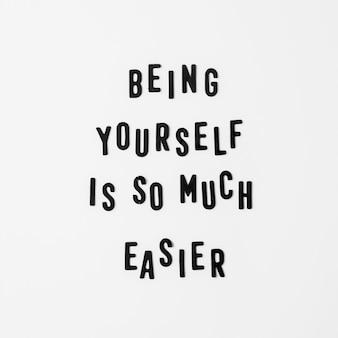 Message d'amour de soi sur fond blanc