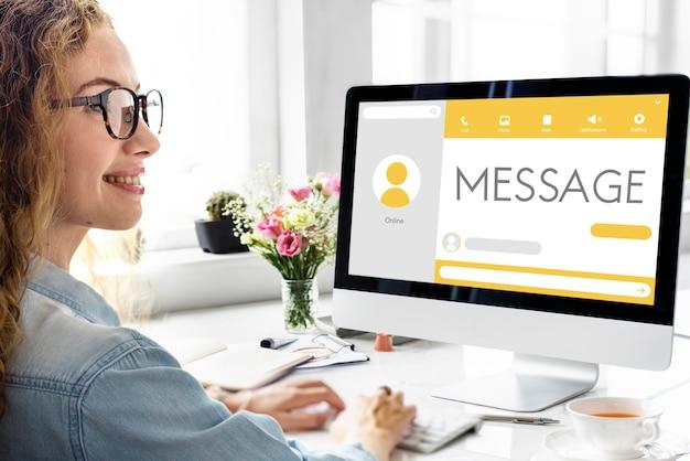 Message chat en direct concept de communication