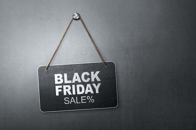 Message du black friday discount sale écrit sur le tableau suspendu