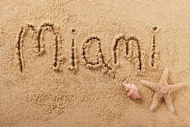 Message d'écriture sur la plage d'été de miami en floride