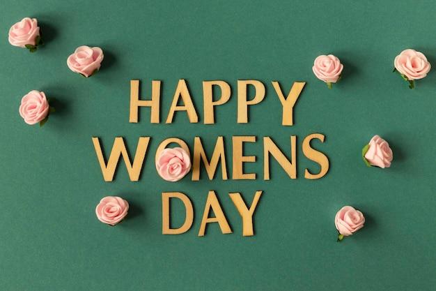 Message de la journée de la femme heureuse avec des roses