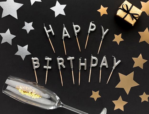 Message de joyeux anniversaire avec cadeau