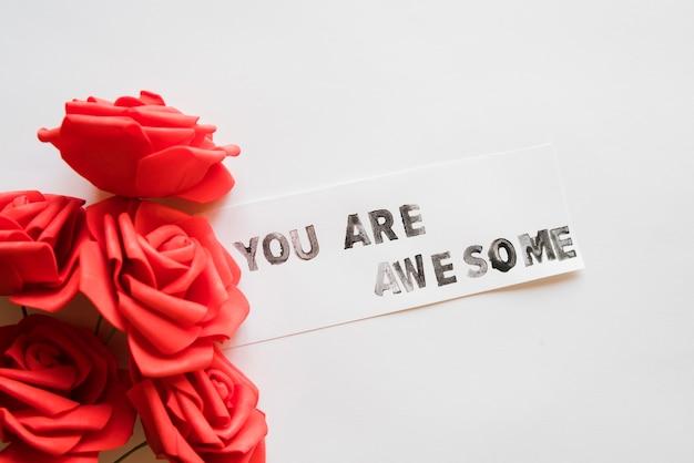 Message que vous êtes génial avec des fleurs