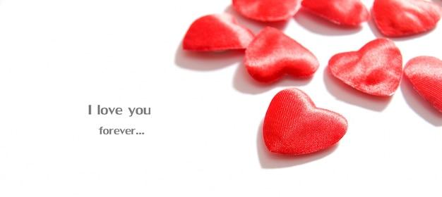 Un message romantique avec des coeurs de fond