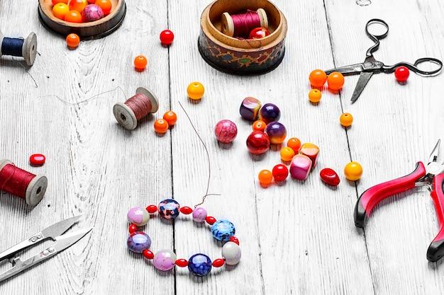 Métiers faits de perles