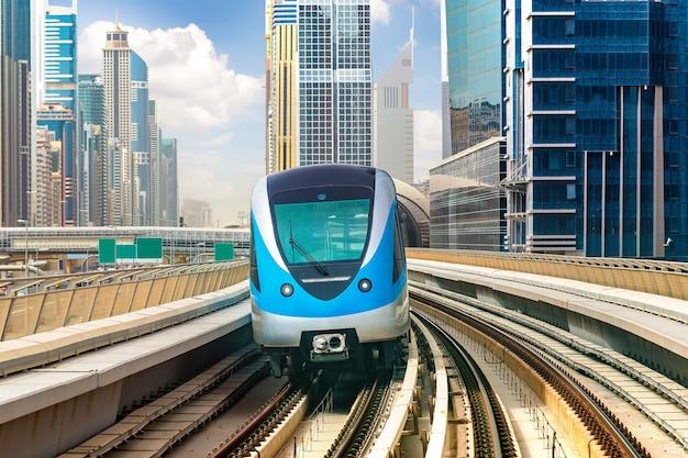 Métro de dubaï aux emirats arabes unis