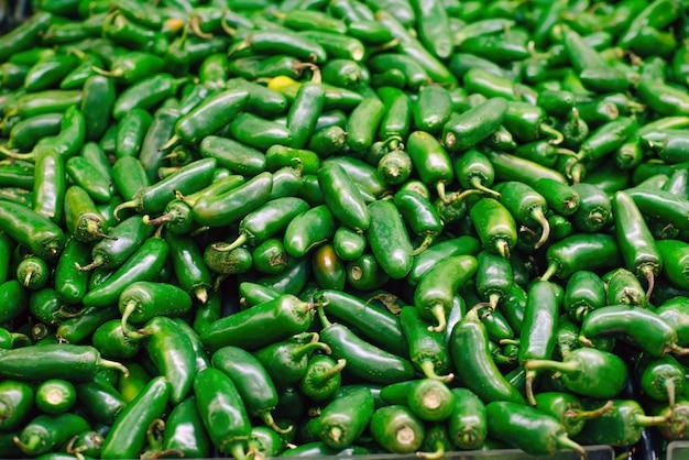 Mexique piments verts du chili sur le marché.