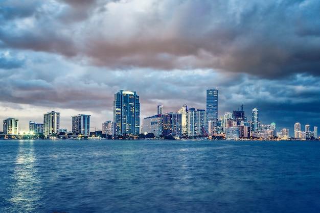 Miami floride, bâtiment et nuages