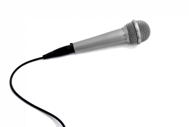 Microphone sur blanc avec chemins de détourage