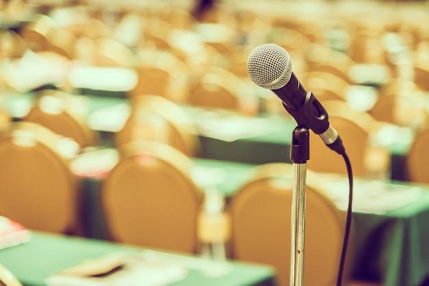 Microphone dans la salle de réunion