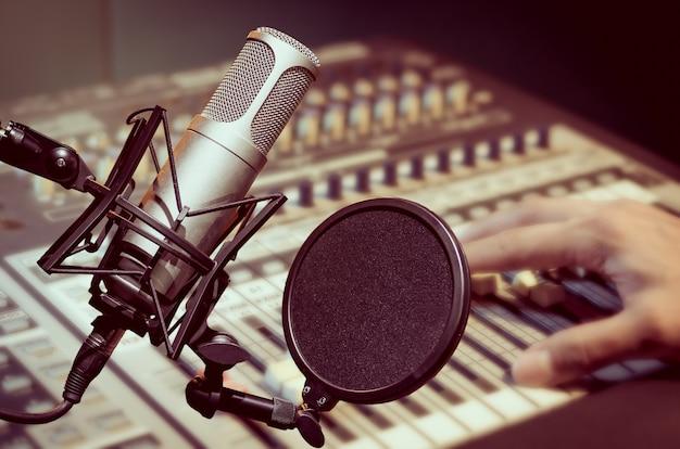 Microphone professionnel à condensateur