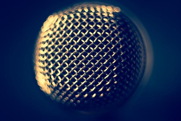 Microphone sur scène. fermer.