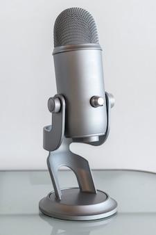 Microphone de studio pour l'enregistrement d'un podcast