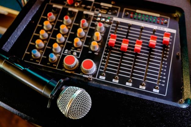 Microphones et haut-parleurs