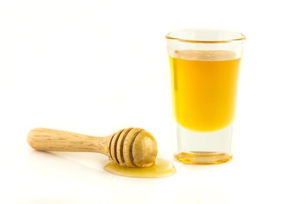 Miel avec bois isolé