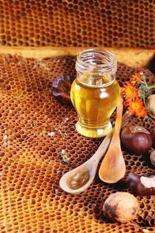 Miel et noix