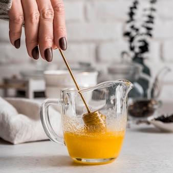 Miel pour le thé