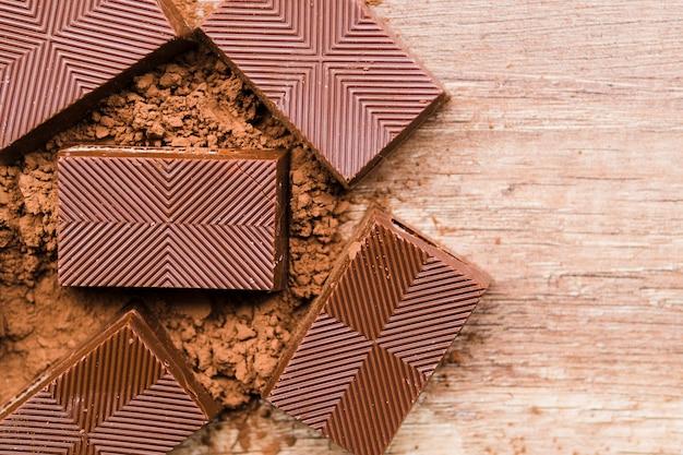 Miettes de chocolat et de cacao