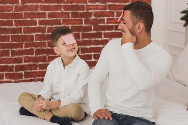 Mignon, père fils, jouer, ensemble