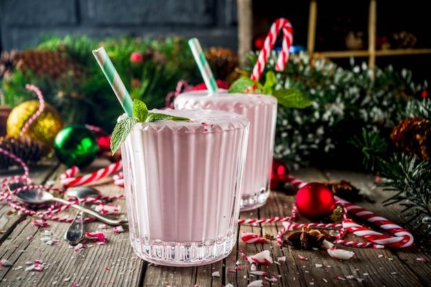 Milkshake glacé à la canne de bonbon à la menthe