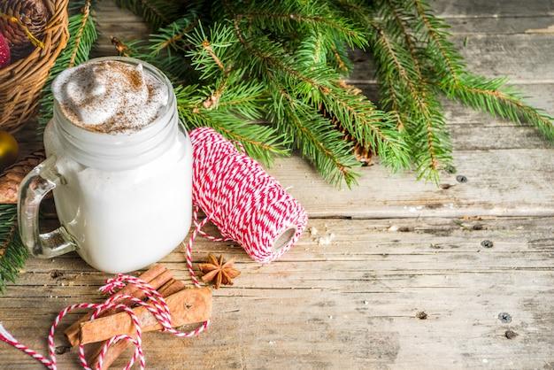 Milkshake de noël sur pot d'herbe