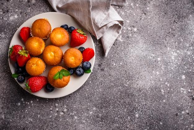 Mini cupcakes d'été aux fruits rouges