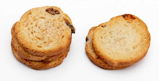 Mini toasts ronds de pain aux raisins secs.
