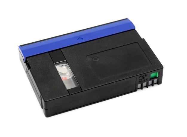 Minidv standard de cassette vidéo isolé sur fond blanc