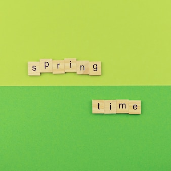 Minimalisme abstrait printemps